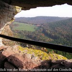 Burgruine Fleckenstein in den Vogesen mit Bick auf den Gimbelhof, Gasthaus