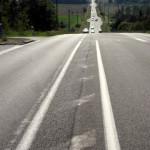 Fernwanderungen in Frankreich; endlose Straße