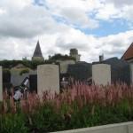 Fernwanderungen in Frankreich; brit. Soldatenfriedhof in Picguigny