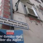 """Bozen, Via Goethe mit Buch """"Goetheweg"""""""