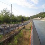 wandern auf dem Goetheweg am Adige-Kanal