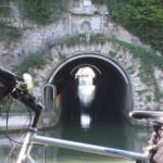 der berühmte Schiffstunnel bei Thoraise
