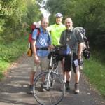 2 Jakobspilger und 1 Fernradler aus dem Saarland auf der Bahntrasse vor Cluny