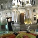Avignon mit dem Hotel de Ville und Diner