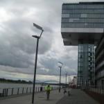 Köln mit dem modernen Rheinufer
