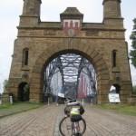 die Harburger Brücke für Fußgänger und Radler