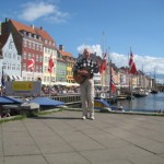 Kopenhagen die Altstadt mit Straßenmusikant