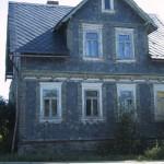 Verfallendes schönes Schieferhaus