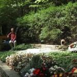 hier in Rhöndorf saß Konrad Adenauer oft an seinem Elterngrab