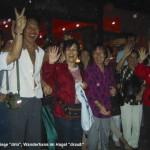 Asiaten am Titisee bei Hagel