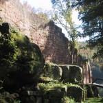 das Steinenschloss bei der Schwarzbachtalbrücke A 62