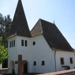 in Lauterschwan ist die Michaelskapelle mit dem Sühnekreuz aus 1589