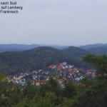 Blick von der Burgruine auf Lemberg bis nach Frankreich