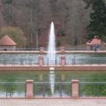 Fasanerie Zweibrücken mit dem großen Weiher und Springbrunnen