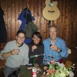 """die erste Gitarre wird am 23-10-2005 in der """"Kahlenberghütte"""" installiert"""