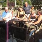 Orchamps mit Gartenlokal und Musik